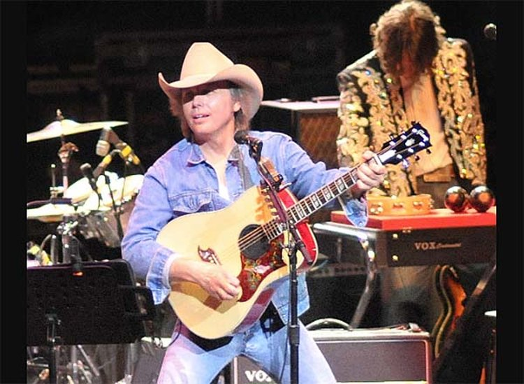 Music Friday: Dwight Yoakam Uses Gems to Illustrate the Magnitude of His Heartache